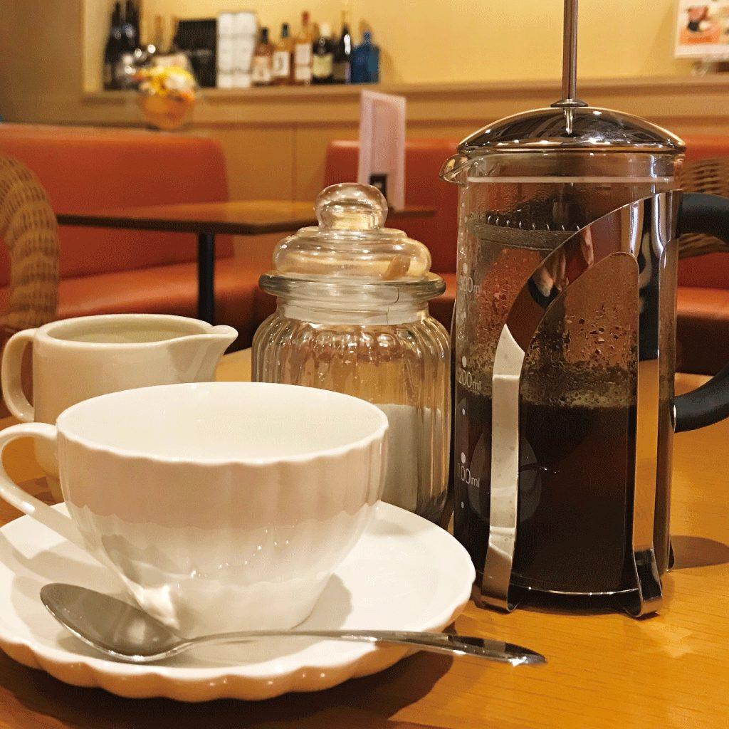 フレンチプレスで淹れる贅沢なスペシャルティコーヒー